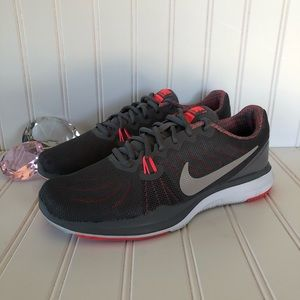 Nike Training In Season 7 Running Shoe